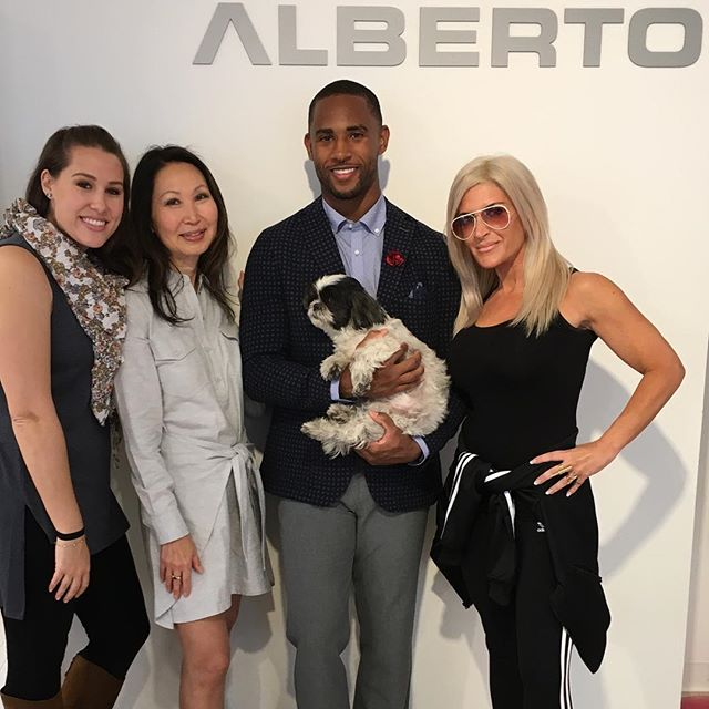 Justin Bethel, Arizona Cardinals cornerback #28 and 3 time pro bowler, with @adriennefstarr @jenabramsstyle @hmakoujy and @shashatheshihtzu. Justin loved the Carl Gross sport coat, Haupt shirt and Alberto Ceramica pants and TaylordBlu accessories. Thank you Justin for looking fantastic👍