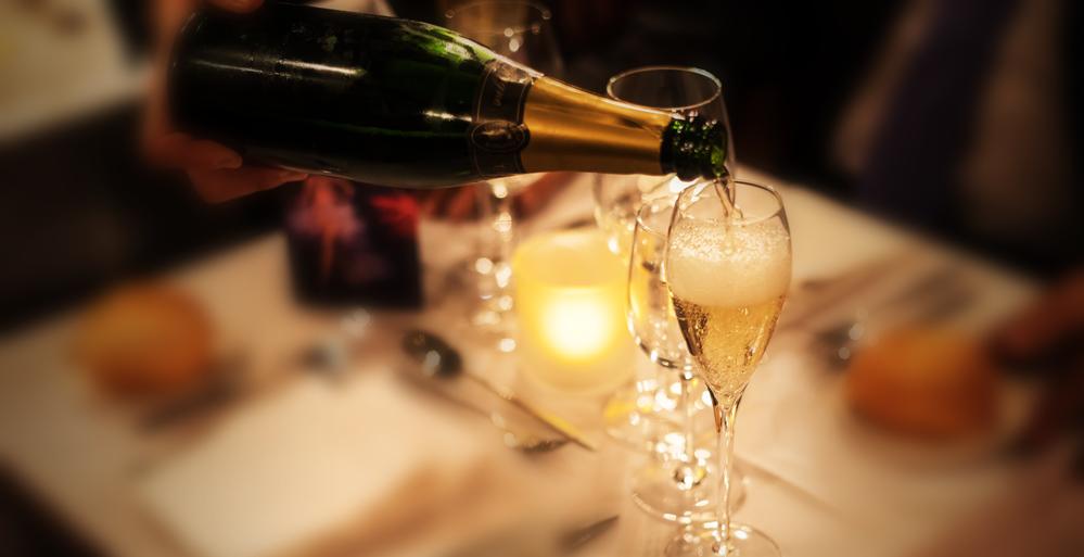 2. Formule - - 1 coupe champagne- Uitgebreid hapjes- of dessertbord- Vestiaire