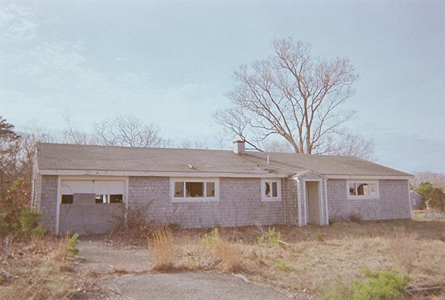 curb appeal #folkdevils #lowfi #photo #magazine #35mm #filmphotography #disposablecamera #urbex  #abandonedplaces