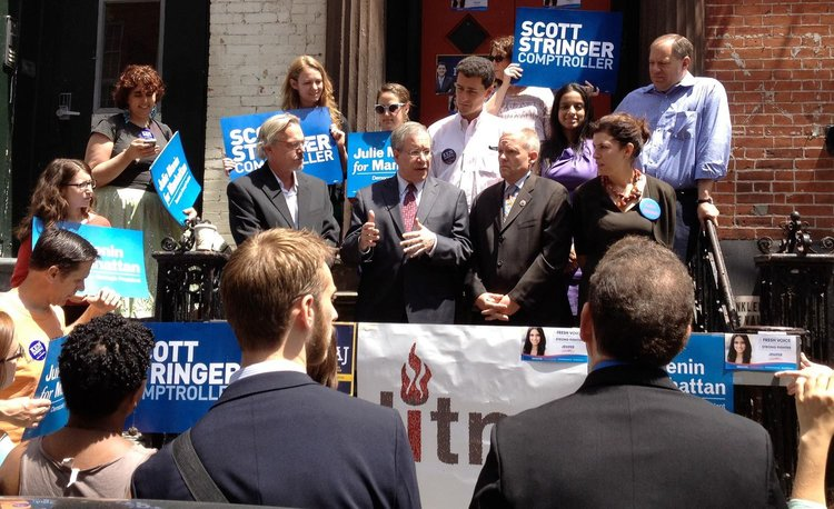 Consistently advocating for us. Scott M. Stringer, center, at a League rally in 2013. Note the old League logo in front of him. Pictured to the right of Mr. Stringer is Jimmy Van Bramer, the League's endorsed candidate for District 26, and Julie Menin, Commissioner of the Mayor's Office of Media and Entertainment