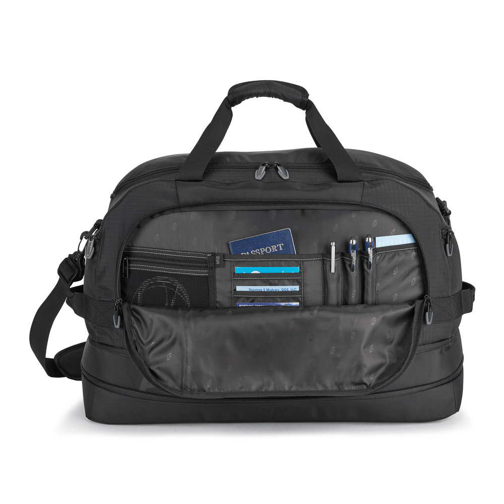 Front organization pockets for all travel accessories.
