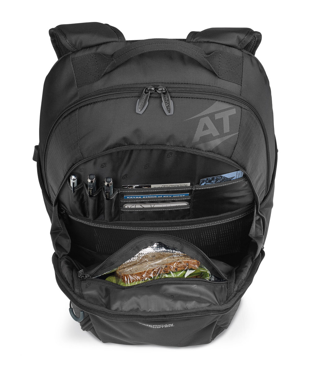 Organization that includes a large insulated pocket.