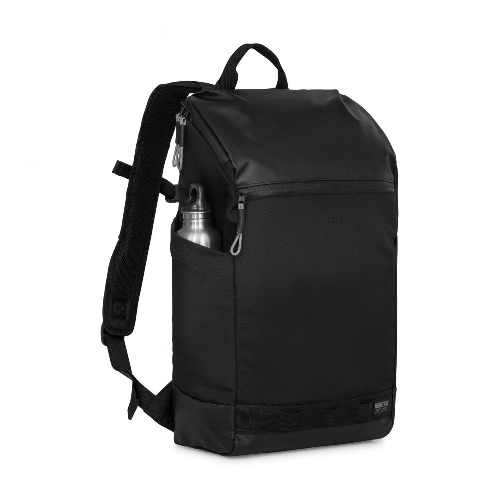 The backpack was the first piece designed in the collection and determined the family of form for the other items.