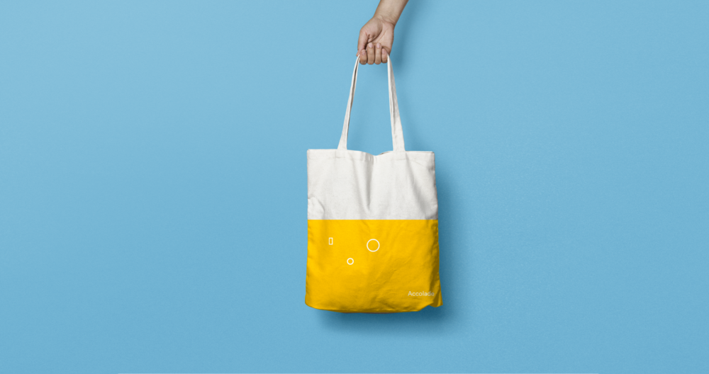 Canvas Tote Bag MockUp_hand.png