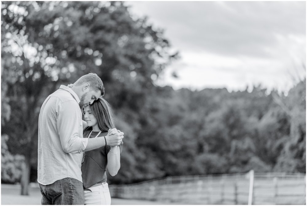 Summer Engagement Session at Hunting Hill Mansion - Krista Brackin Photography_0059.jpg