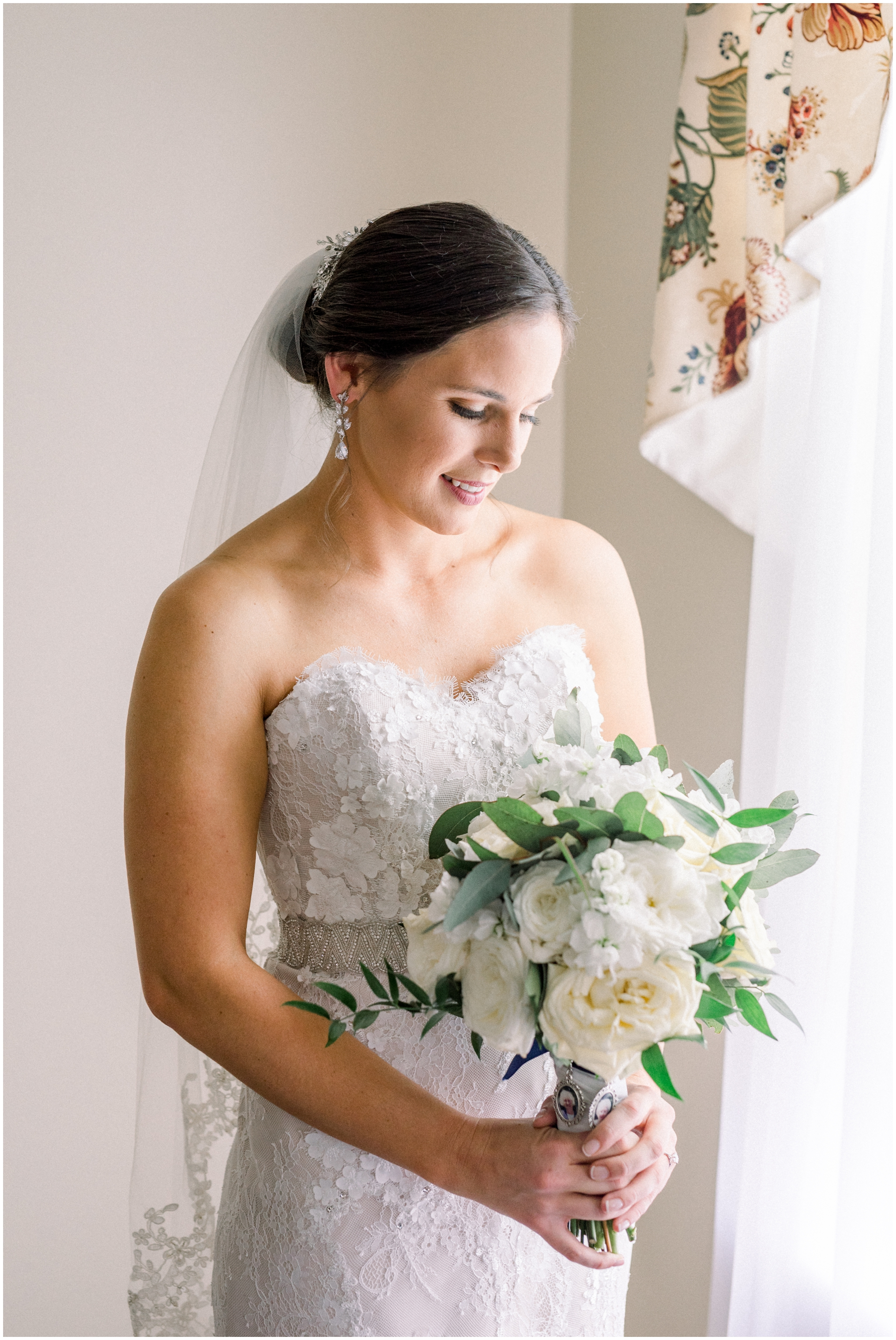 Krista Brackin Photography | April Wedding at The Carriage House at Rockwood Park_0020.jpg