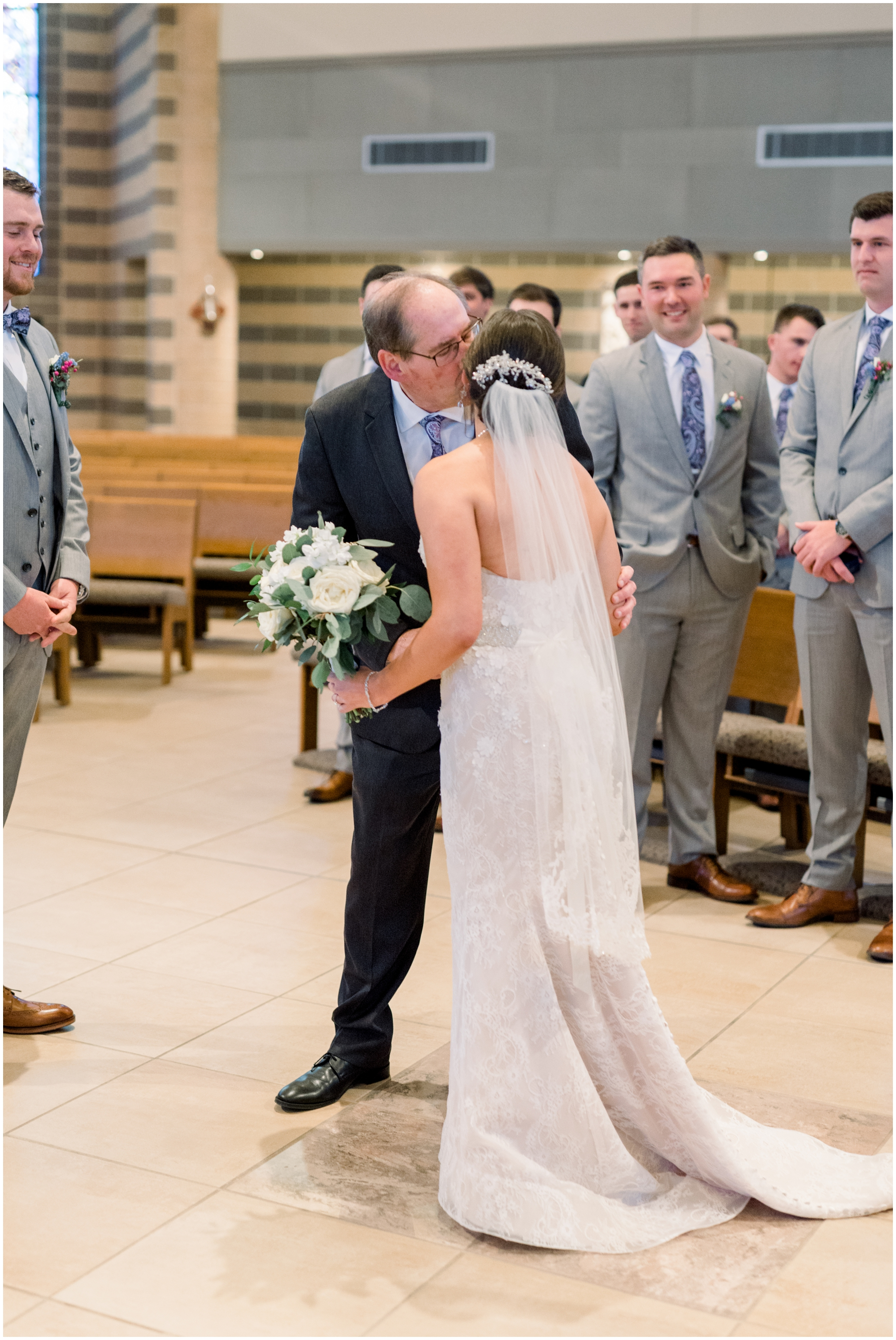 Krista Brackin Photography | April Wedding at The Carriage House at Rockwood Park_0044.jpg