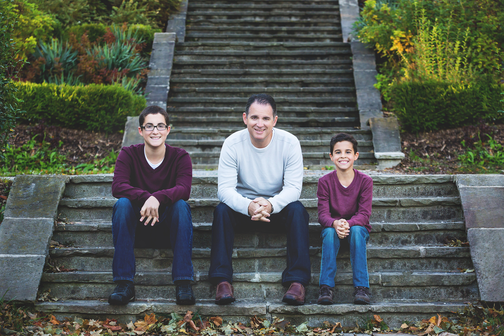 Family-Portraits-Hamilton-Stoney-Creek-Oakville-Burlington-Niagara-Photography-Moments-by-Lauren-Photographer-Lifestyle-Photo-Image2.png