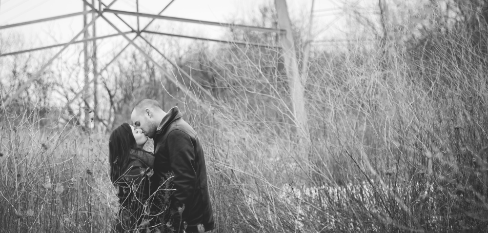 Engagement-Photos-Hamilton-Niagara-Toronto-Burlington-Oakville-Photographer-Engaged-Ring-Photography-Dog-Winter-Moments-by-Lauren-Image-2.png