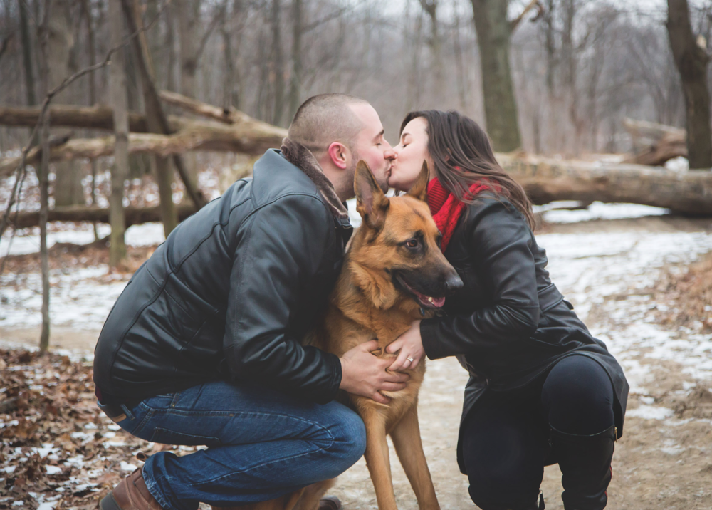 Engagement-Photos-Hamilton-Niagara-Toronto-Burlington-Oakville-Photographer-Engaged-Ring-Photography-Dog-Winter-Moments-by-Lauren-Image-3.png