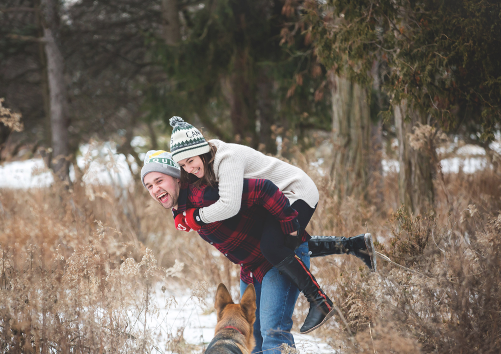 Engagement-Photos-Hamilton-Niagara-Toronto-Burlington-Oakville-Photographer-Engaged-Ring-Photography-Dog-Winter-Moments-by-Lauren-Image-9.png