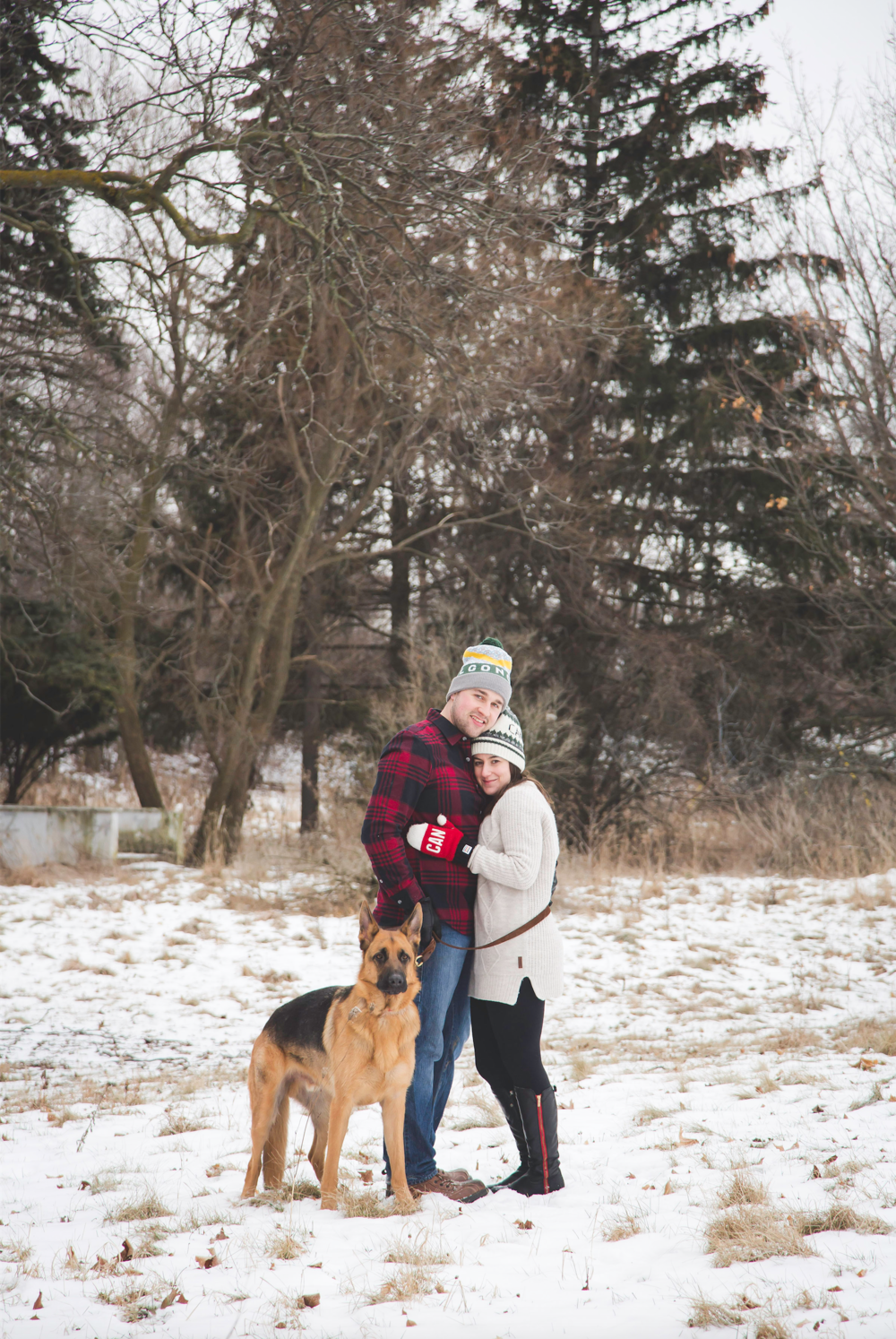 Engagement-Photos-Hamilton-Niagara-Toronto-Burlington-Oakville-Photographer-Engaged-Ring-Photography-Dog-Winter-Moments-by-Lauren-Image-16.png
