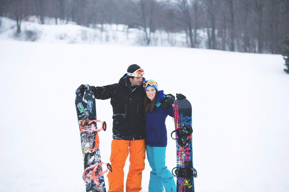 Engagement-Photos-Hamilton-Niagara-Toronto-Burlington-Oakville-Photographer-Engaged-Ring-Photography-Snowboarding-Winter-Moments-by-Lauren-Image-2.png