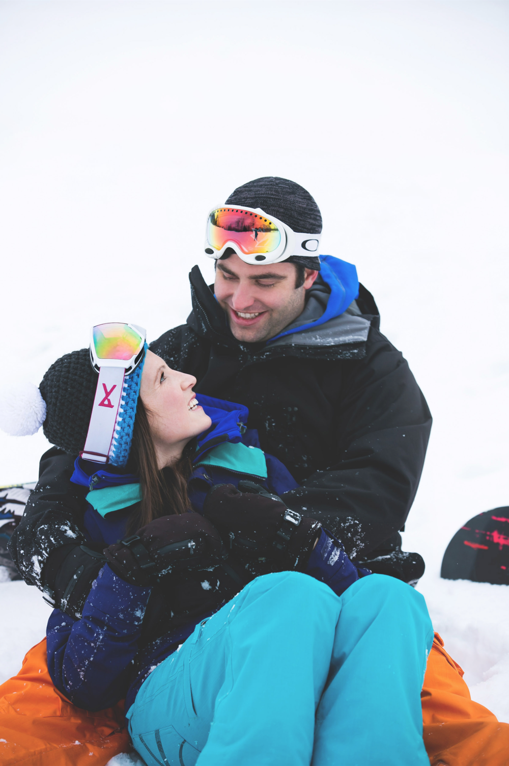 Engagement-Photos-Hamilton-Niagara-Toronto-Burlington-Oakville-Photographer-Engaged-Ring-Photography-Snowboarding-Winter-Moments-by-Lauren-Image-8.png