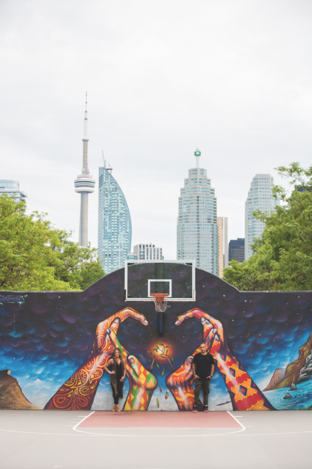 Engagement-Photos-Toronto-Downtown-Waterfront-Photographer-Wedding-Hamilton-GTA-Niagara-Oakville-Modern-Moments-by-Lauren-Engaged-Photography-Photo-Image-1.png