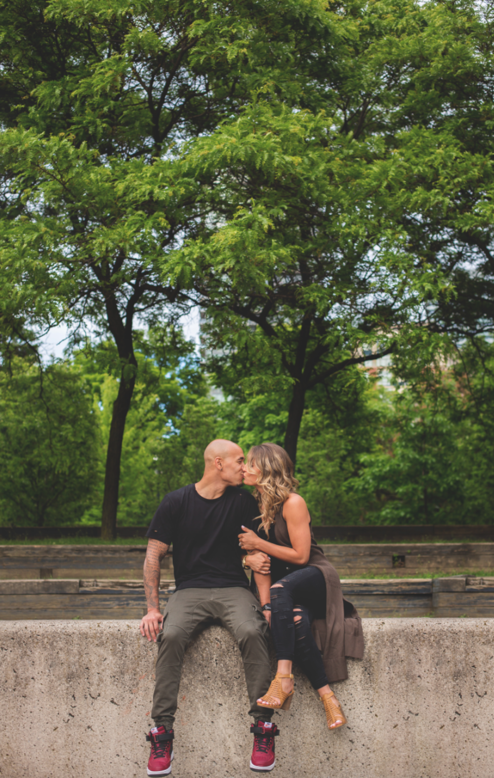 Engagement-Photos-Toronto-Downtown-Waterfront-Photographer-Wedding-Hamilton-GTA-Niagara-Oakville-Modern-Moments-by-Lauren-Engaged-Photography-Photo-Image-5.png