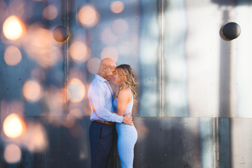 Engagement-Photos-Toronto-Downtown-Waterfront-Photographer-Wedding-Hamilton-GTA-Niagara-Oakville-Modern-Moments-by-Lauren-Engaged-Photography-Photo-Image-11.png
