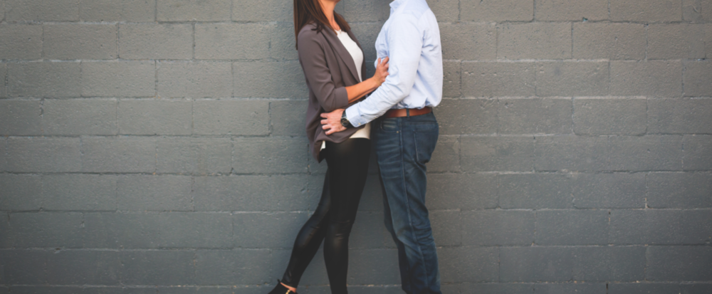 Engagement-Photos-Guelph-Park-Photographer-Wedding-Hamilton-GTA-Niagara-Oakville-Guelph-Tennis-Court-Basketball-Modern-Moments-by-Lauren-Engaged-Photography-Photo-Image-12.png