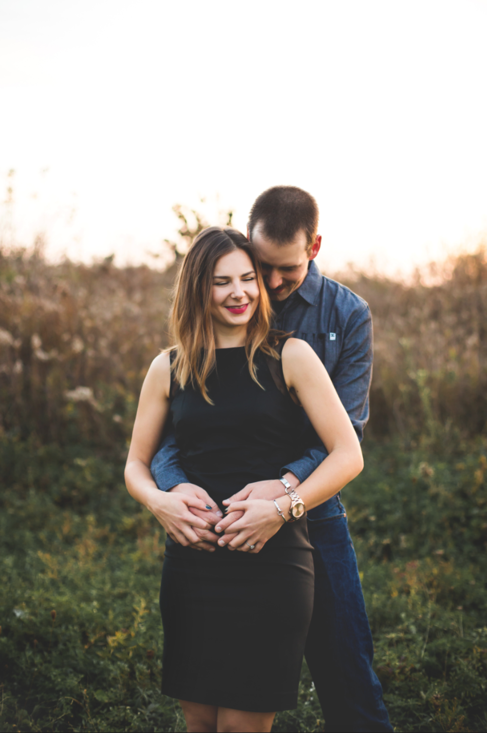 Engagement-Session-Brantford-Hamilton-Burlington-Oakville-Niagara-Toronto-Wedding-Photographer-Engaged-Photography-Golden-Hour-Moments-by-Lauren-Photo-Image-12.png