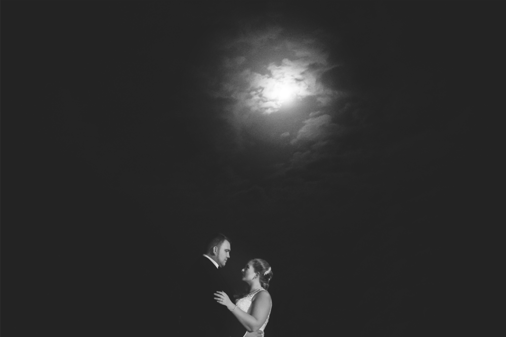 Moments-by-Lauren-Modern-Fun-Authentic-Wedding-Lifestyle-Family-Photographer-Hamilton-Burlington-Niagara-Oakville-Toronto-Muskoka-Ontario-Photography-Photo-Image-113.png