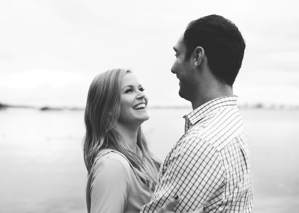 Engagement-Session-Hamilton-Burlington-Oakville-Niagara-Toronto-Wedding-Photographer-Engaged-Photography-Waterfront-Engaged-Golden-Hour-Moments-by-Lauren-Photo-Image-7.png