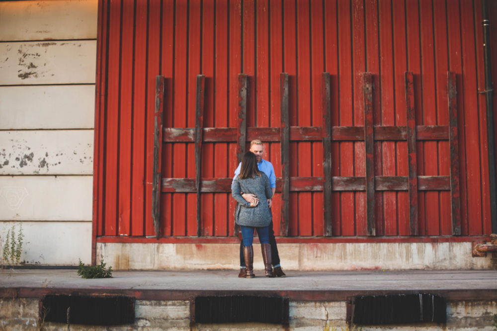 Engagement-Session-Downtown-Hamilton-Burlington-Oakville-Niagara-Toronto-Wedding-Photographer-Engaged-Photography-Waterfront-Urban-HamOnt-Engaged-Golden-Hour-Moments-by-Lauren-Photo-Image-7.png