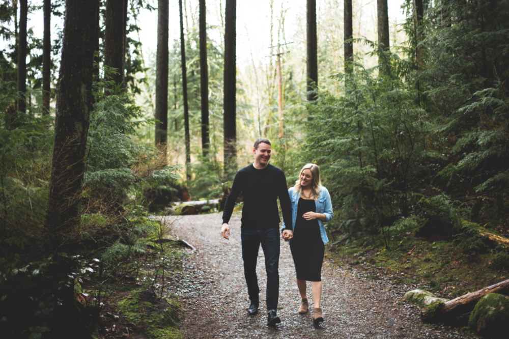 Maternity-Session-North-Vancouver-Lynn-Canyon-BC-Hamilton-Burlington-Oakville-Niagara-Toronto-Wedding-Portrait-Photographer-Expecting-Photography-Waterfront-HamOnt-Golden-Hour-Moments-by-Lauren-Photo-Image-2.png