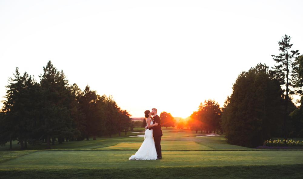 Wedding-Photography-Hamilton-Burlington-Oakville-Toronto-Niagara-Photographer-Moments-by-Lauren-Sunset-Golden-Hour-Photos-HamOnt-Beverly-Golf-And-Country-Club-Golf-Course-Bride-Groom-Image-2.png