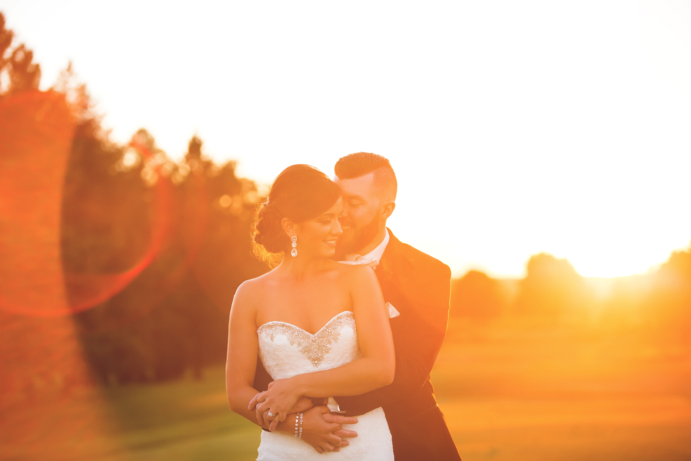 Wedding-Photography-Hamilton-Burlington-Oakville-Toronto-Niagara-Photographer-Moments-by-Lauren-Sunset-Golden-Hour-Photos-HamOnt-Beverly-Golf-And-Country-Club-Golf-Course-Bride-Groom-Image-1.png