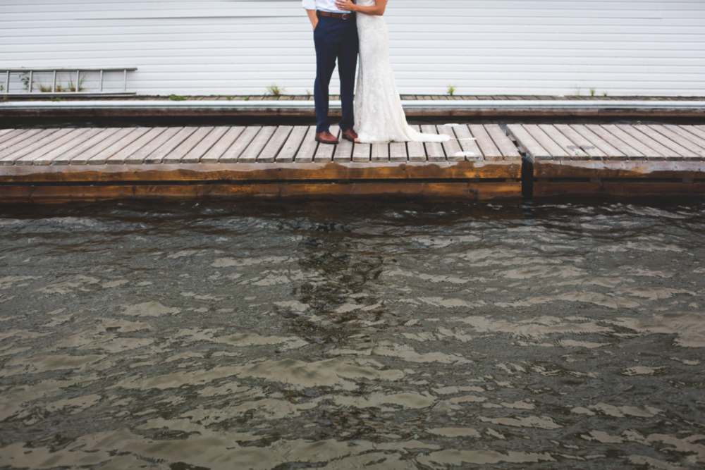 Wedding-Photos-Muskoka-Clevelands-House-Photographer-Wedding-Hamilton-GTA-Niagara-Oakville-Moments-by-Lauren-Photography-Photo-Image-97.png
