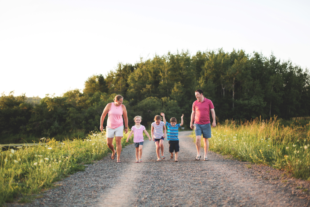 Hamilton-Toronto-Burlington-Oakville-welland-Niagara-Cambridge-Dundas-Ontario-Family-photographer-photography-Moments-by-Lauren-Nova-Scotia-Antigonish-Lifestyle-Session-Image-Photo-1.png