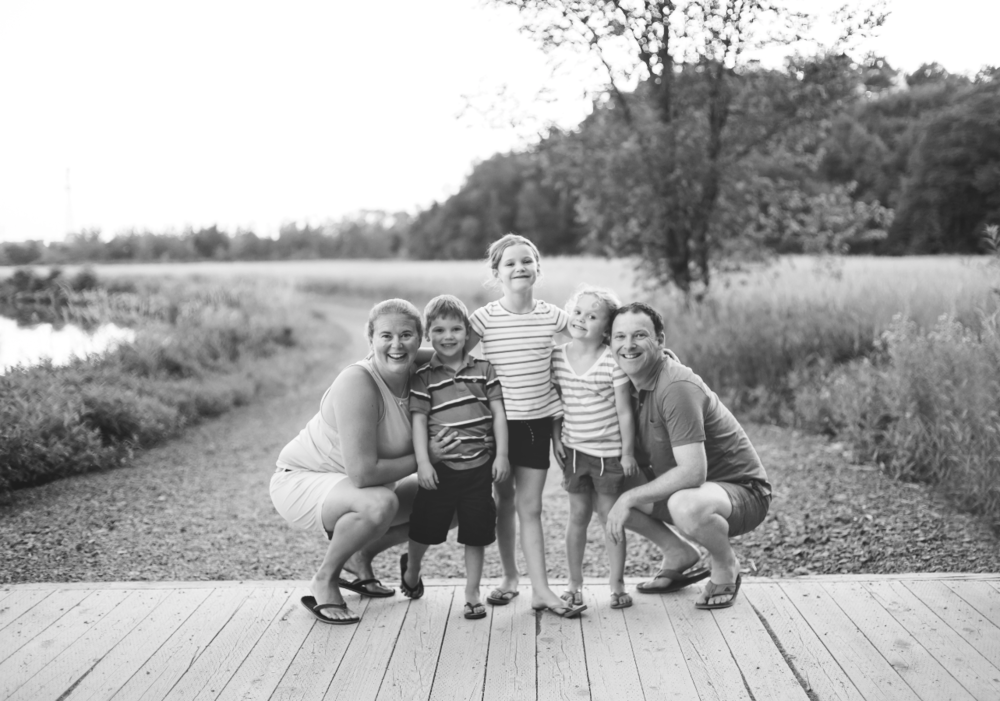 Hamilton-Toronto-Burlington-Oakville-welland-Niagara-Cambridge-Dundas-Ontario-Family-photographer-photography-Moments-by-Lauren-Nova-Scotia-Antigonish-Lifestyle-Session-Image-Photo-8.png