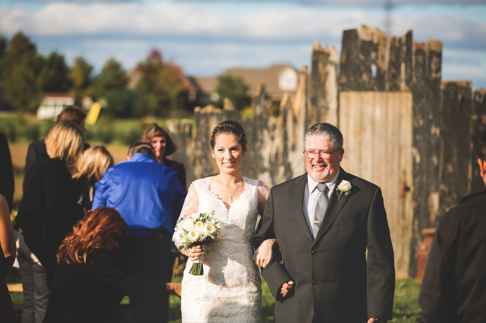 Wedding-Photos-Mount-Pleasant-Farm-Photographer-Wedding-Hamilton-GTA-Niagara-Oakville-Toronto-Moments-by-Lauren-Photography-Photo-Image-4.png