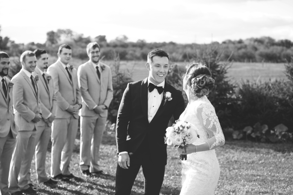 Wedding-Photos-Mount-Pleasant-Farm-Photographer-Wedding-Hamilton-GTA-Niagara-Oakville-Toronto-Moments-by-Lauren-Photography-Photo-Image-6.png