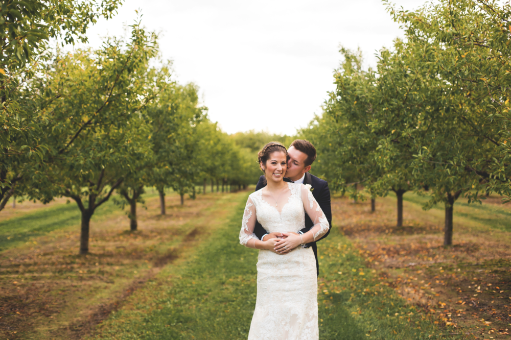 Wedding-Photos-Mount-Pleasant-Farm-Photographer-Wedding-Hamilton-GTA-Niagara-Oakville-Toronto-Moments-by-Lauren-Photography-Photo-Image-19.png