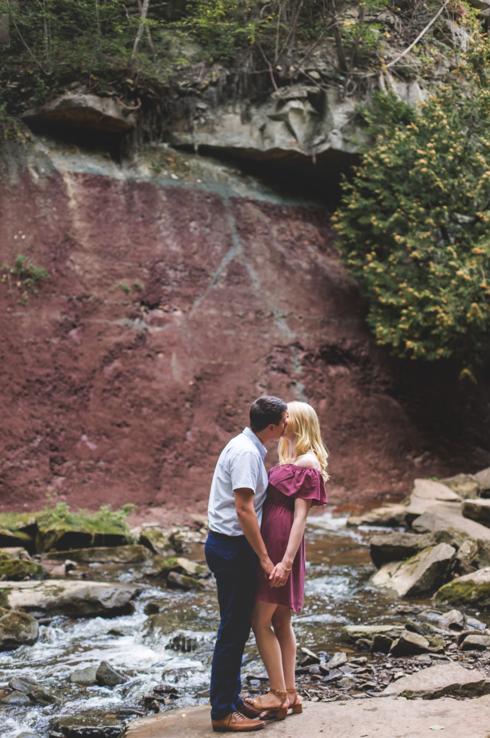 Engagement-Session-Hamilton-Burlington-Oakville-Toronto-Niagara-Wedding-Photographer-Engaged-Photography-Waterdown-Smokey-Hallow-HamOnt-Engaged-Moments-by-Lauren-Photo-Image-6.png