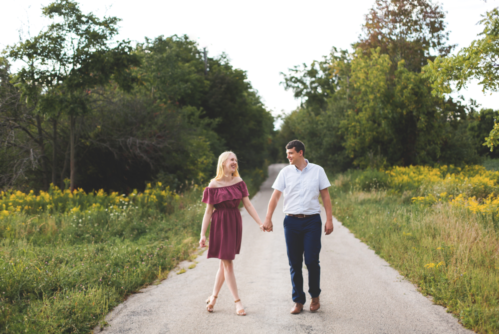 Engagement-Session-Hamilton-Burlington-Oakville-Toronto-Niagara-Wedding-Photographer-Engaged-Photography-Waterdown-Smokey-Hallow-HamOnt-Engaged-Moments-by-Lauren-Photo-Image-11.png