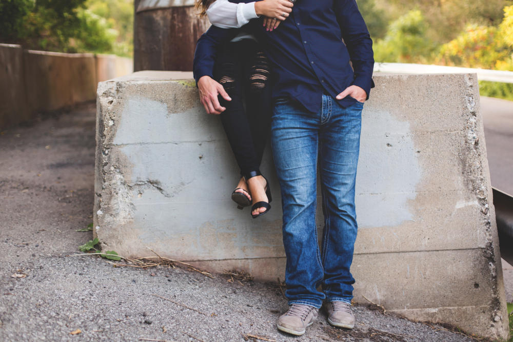 Engagement-Session-Hamilton-Burlington-Oakville-Toronto-Niagara-Wedding-Photographer-Engaged-Photography-Session-HamOnt-Moments-by-Lauren-Photo-Image-15.png