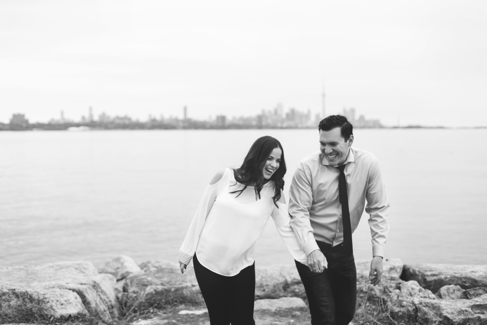 Engagement-Photography-Toronto-Skyline-City-Waterfront-HumberBay-Hamilton-Burlington-Oakville-Niagara-Toronto-Wedding-Photographer-Photo-Image-3.png