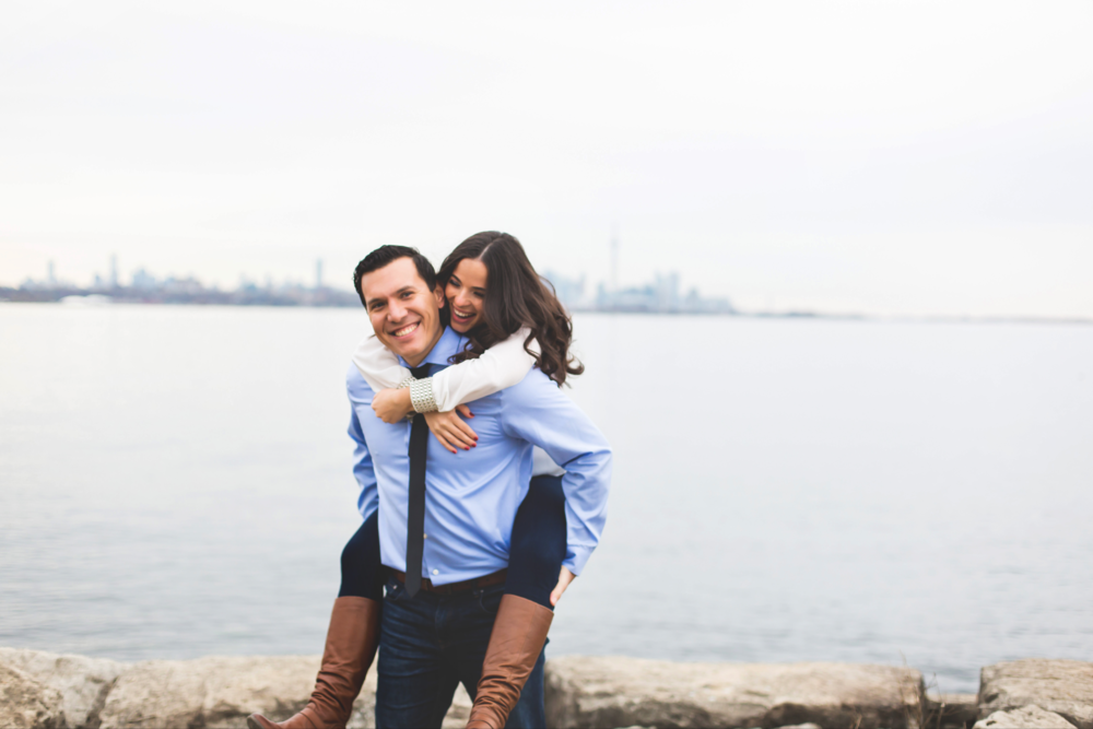 Engagement-Photography-Toronto-Skyline-City-Waterfront-HumberBay-Hamilton-Burlington-Oakville-Niagara-Toronto-Wedding-Photographer-Photo-Image-8.png
