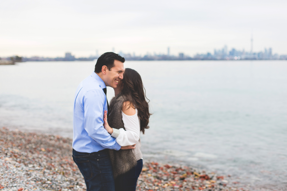 Engagement-Photography-Toronto-Skyline-City-Waterfront-HumberBay-Hamilton-Burlington-Oakville-Niagara-Toronto-Wedding-Photographer-Photo-Image-9.png