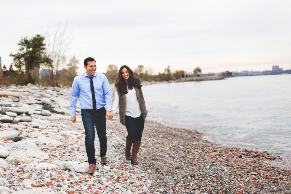 Engagement-Photography-Toronto-Skyline-City-Waterfront-HumberBay-Hamilton-Burlington-Oakville-Niagara-Toronto-Wedding-Photographer-Photo-Image-12.png