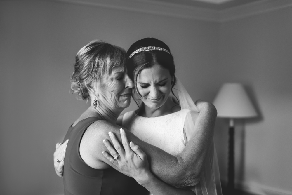 Moments-by-Lauren-Hamilton-Toronto-Niagara-Wedding-Photographer-Genuine-Emotional-Images-Photo-10.png