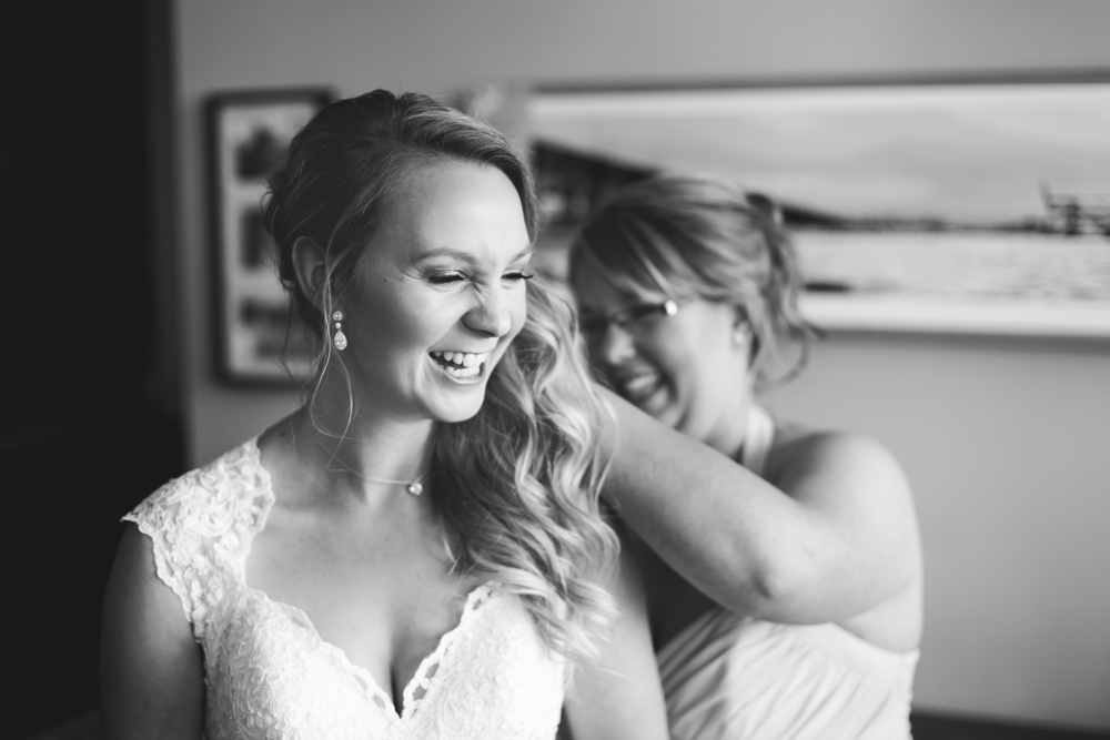 Moments-by-Lauren-Hamilton-Wedding-Photographer-Tamahaac-Club-Niagara-Toronto-Burlington-Photography-Photo-Image-5.png