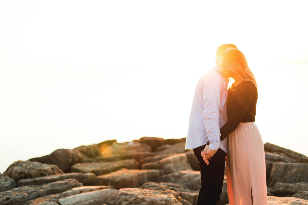 Moments-by-Lauren-Engagement-Session-Waterfront-Burlington-Hamilton-Wedding-Photographer-Sunshine-Donuts-Engaged-Photo-Image-2.png