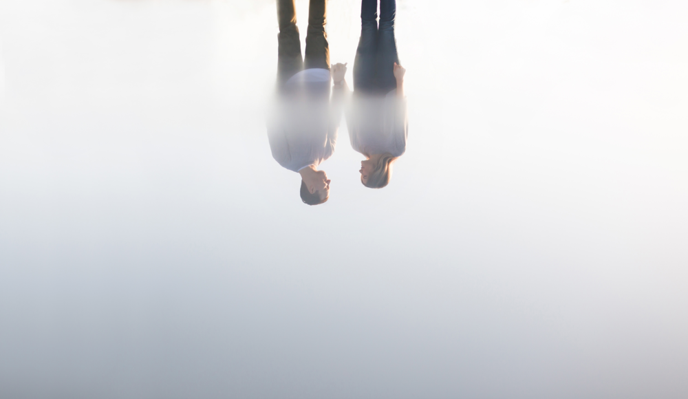 Moments-by-Lauren-Engagement-Session-Waterfront-Burlington-Hamilton-Wedding-Photographer-Sunshine-Donuts-Engaged-Photo-Image-7.png