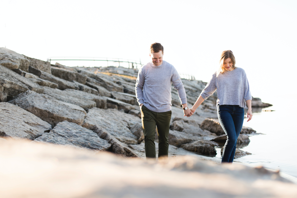 Moments-by-Lauren-Engagement-Session-Waterfront-Burlington-Hamilton-Wedding-Photographer-Sunshine-Donuts-Engaged-Photo-Image-13.png