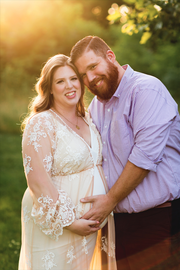 Maternity-Session-Photographer-Hamilton-Oakville-Waterfront-Golden-Hour-Glow-Photography-Moments-by-Lauren-Photo-Image-3.png