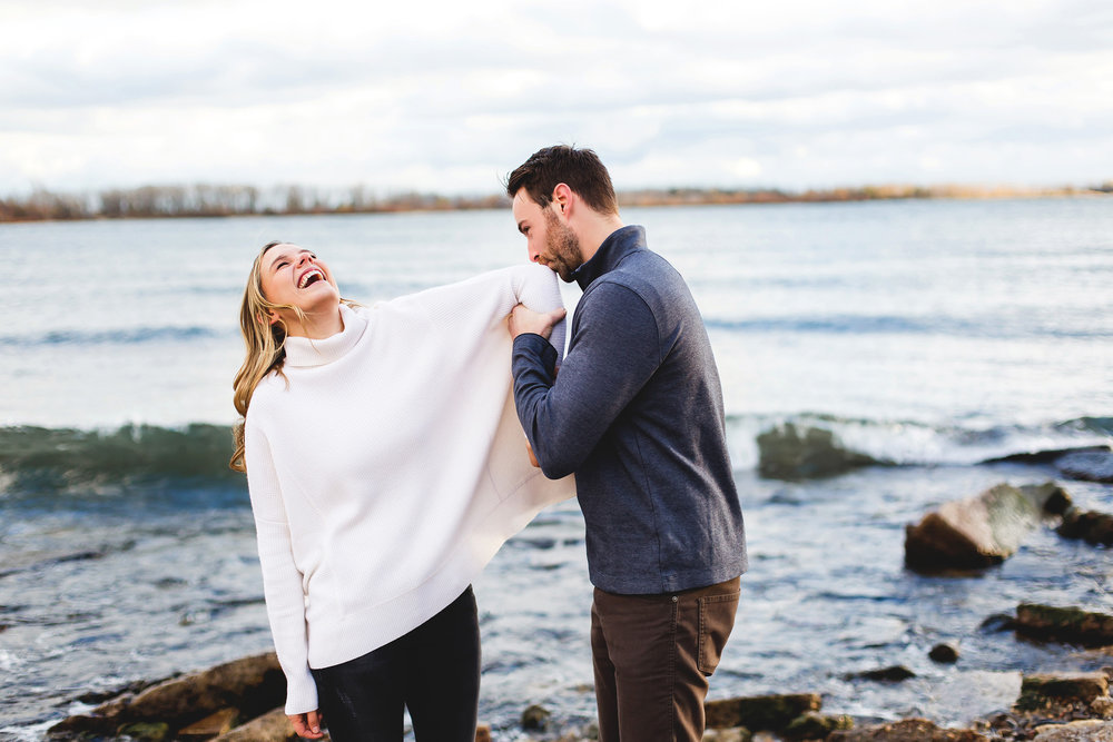 Moments-by-Lauren-Wedding-Photographer-Engagement-Tips-Photo-Image-08.jpg