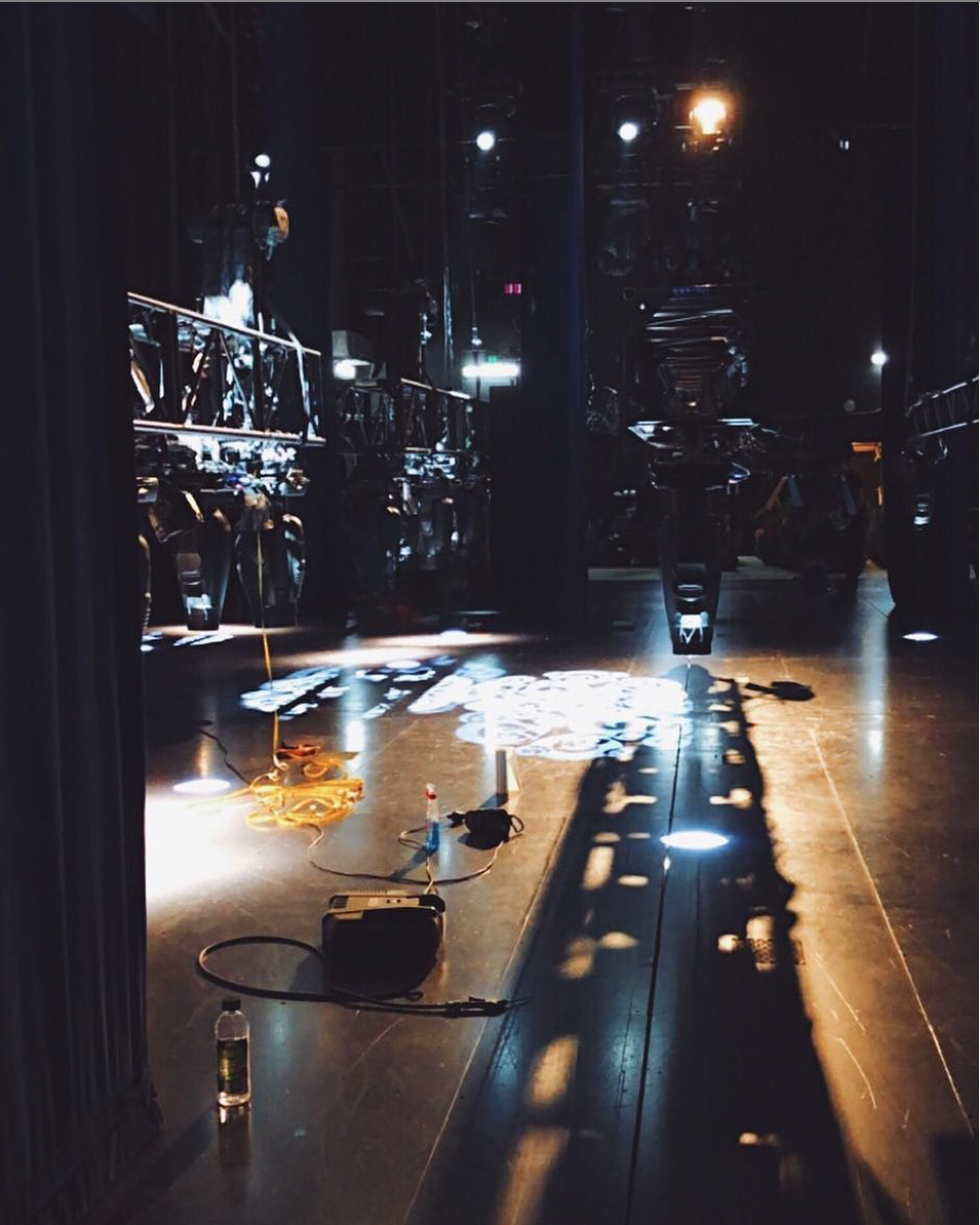 - Not only do we do checks daily, but every Friday in Oz we have maintenance day; a day for all technical departments to make sure everything's running smoothly. As you can see the rig is in, and our Lighting Department is checking all 220 lighting fixtures. #wizardofozau (📸 @joshuabroadbent)